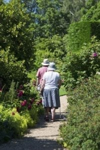 elderly-couple-829305_1280